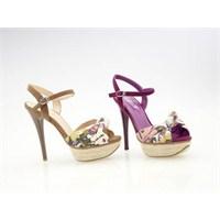 Çiçek Desenli Ayakkabılar Hayatınıza Renk Katıyor