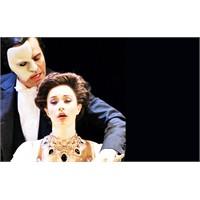 ' Operadaki Hayalet' 25'inci Yılını Kutluyor