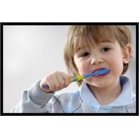 Diş Çürümesi Ölüm Sebebi Olabilir