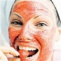 Yağlı Ciltlere Çilek Maskesi