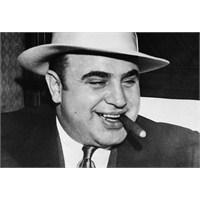 Tatli Dil Ve Bir Tabanca: Al Capone