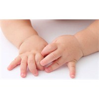 Bebeklerin Tırnak Bakımı Nasıl Olmalı?