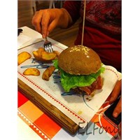 Gidelim Gömelim Vol 3: Friends And Burgers