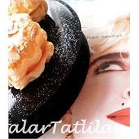 Vanilya Kremalı Madonna Turtası
