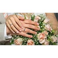 Evlilik Yıldönümünde Neler Yapılabilir