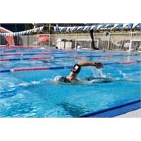 Telefonuyla Yüzmek İsteyenler İçin Harika Bir Ürün