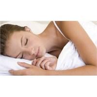 Uyuyarak Cildinizi Güzelleştirin