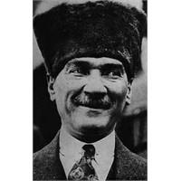 Atatürk'ün Gülen Fotoğrafları