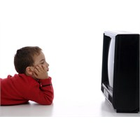 Televizyon İzlerken Yanında Olun