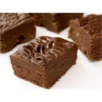"""Çikolatalı Yumuşak Kek """"Fudge"""" Tarifi"""