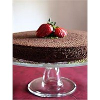 Kolay Çikolatalı Kek