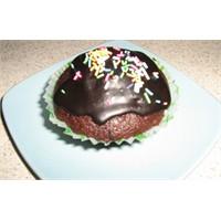 Sürpriz Çikolatalı Kağıtlı Kek