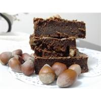 Fındıklı Bitter Çikolatalı Islak Kek