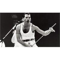 Müzik Tarihinden Freddie Mercury Geçti