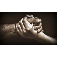 Gerçek İlişkilerden Çıkar İlişkilerine Doğru