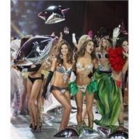 Victoria's Secret 2013 Koleksiyonu Defilesi