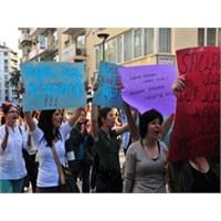 Kürtaj Yaptıran Kadına Fahri Çocuk…