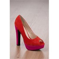 Erkekler Kırmızı Topuklu Ayakkabı Hazzı !