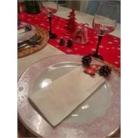 Yılbaşı Temalı Minik Bir Akşam Yemeği Sofrası