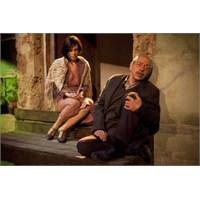 Dostlar Tiyatrosu, Genco Erkal Ve Perde