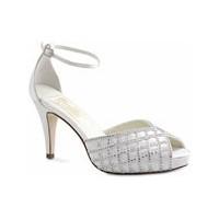 Göz Alıcı Gelin Ayakkabı Modelleri