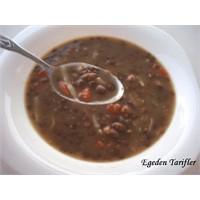 Erişteli Yeşil Mercimek Çorbasi/yemeği