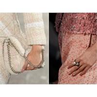 Chanel 2013 Fall Winter Runway: Yarım Ay Manikür