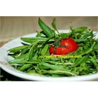 Taze Kekik (Zahter) Salatasi