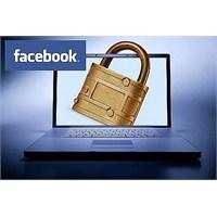 Facebook Mahremiyeti Giderek Azalıyor
