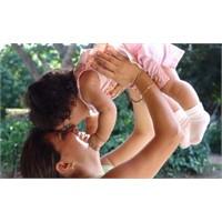 Çocuğunuzu Severek Sevmeyi Öğretin!