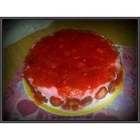 Çilekli Pasta Tarifi (Mutfağımda Neler Oluyor)