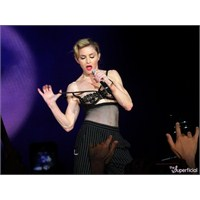 Madonna Konserine Ne Giyilir?