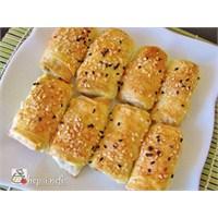 İkramlık Peynirli Mini Börek Tarifi