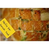 Peynirli Ve Soğanlı Ekmek
