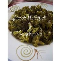 Zeytinyağlı Nefis Brokoli Salatası
