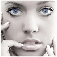 Kalıcı Makyajın Kalıcı Güzelliğini Yaşayın