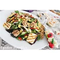 Hellimli Tavuklu Semizotu Salatası