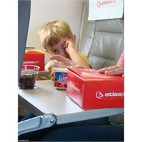 Atlasjet'ten Çocuklara Bayram Hediyesi