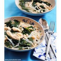 Tavuklu Ve Pirinç Makarnalı Pazı Çorbası