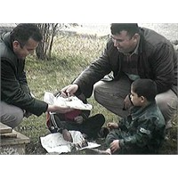 Mumu Yakamayan Çocukların Yardımına Mobese Yetişti