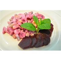 Kırmızı Pancar Salatası Tarifi (4 Kişilik)