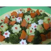 Brokolili Bahar Salatası