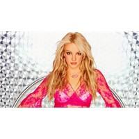 Çiçeği burnunda modacı Britney Spears