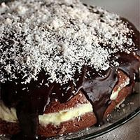 Çikolata Soslu Muzlu Pasta