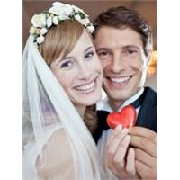 Evlilikte İki Kişinin Mutluluğu