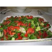 Çoban Salata Tarifi ( Yaz Salatası )