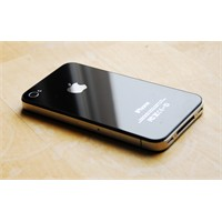 İphone 4s Açık Ara Önde