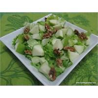 """Yeşil Elma Salatası"""