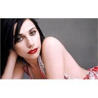 Müziğin Aktivist Ruhlu Cüretkar Kızı: Pj Harvey