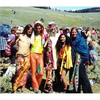 Hippi Modası Geçmez, Geçse De Hatırlatılır